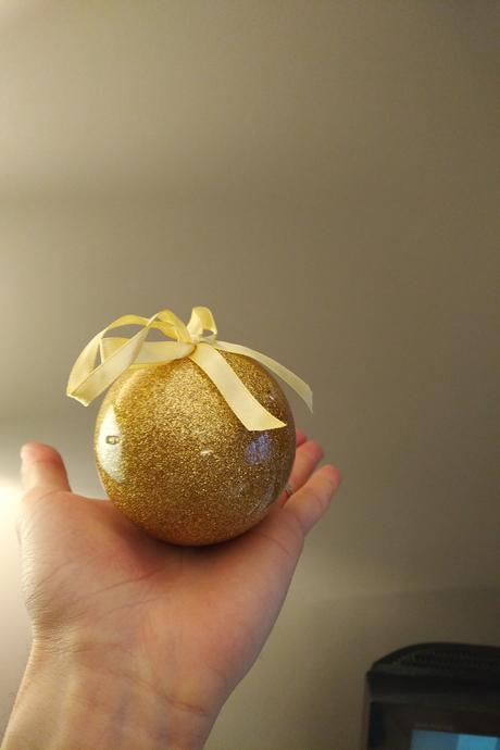 Cette boule de Noël vous permettra d'enregistrer un message de 8 secondes !