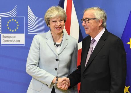 Brexit : Londres et Bruxelles parviennent à un premier accord sur les modalités du divorce
