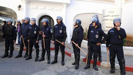 La LADDH préoccupée par les violations des libertés publiques en Algérie
