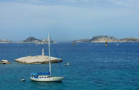 Un voilier au large de Marseille