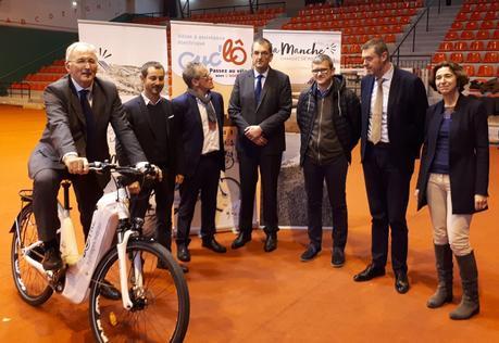 INÉDIT : Les tout premiers vélos électriques à hydrogène expérimentés dans la #Manche ! #LatitudeManche