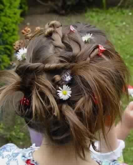 13 idées pour tresser les cheveux de votre fille