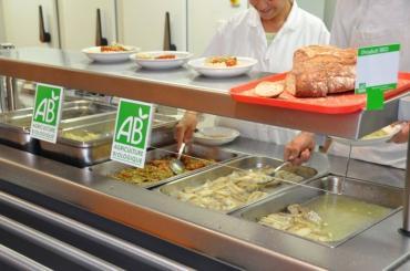 Alimentation : plus de produits locaux que de produits bio dans les cantines d'ici 2022 ?