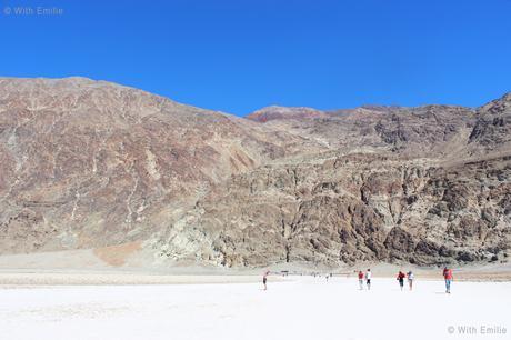 Exploring the Death Valley  🏜 & Las Vegas 🎲| #EmAndLauRunTheWestCoast