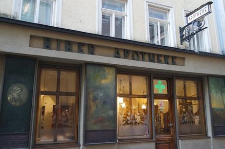 autriche salzbourg art nouveau jugendstil Zum goldenen Biber Apotheke
