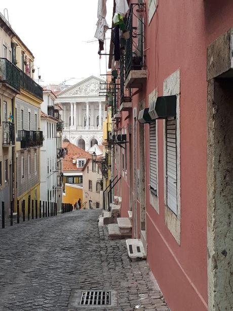 Ruelle de Lisbonne, à côté du Parlement - São Bento - Lisbonne