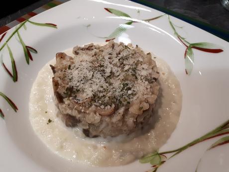 Risotto aux champignons sur crème de topinambour au gorgonzola