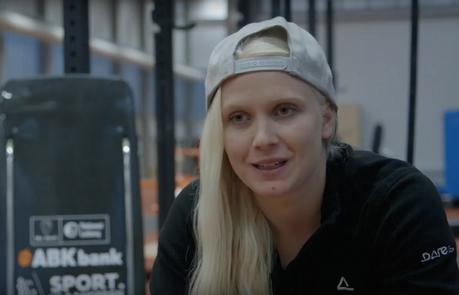 E-TV Sport et Nintendo souhaitent un joyeux noël à la skeletonneuse Kim Meylemans