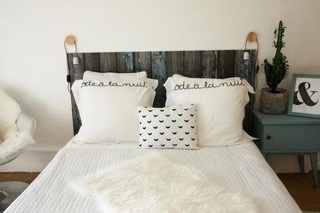 Tête de lit effet bois avec du vinyle décoratif Beija Flor