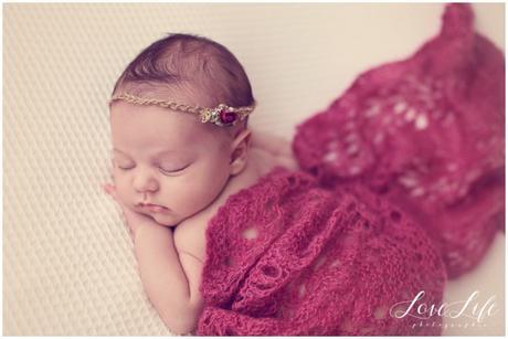 photo bébé fille naissance
