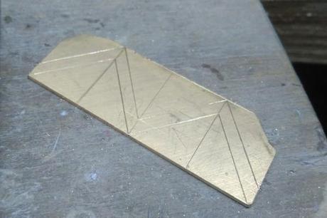 tracé a plat de notre bague en forme de V