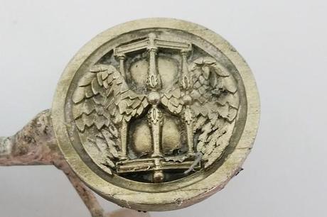 fabrication bouton antique en argent