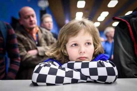 Regroupement en tête du classement général après la victoire de Shakhriyar Mamedyarov sur Fabiano Caruana. L'Azéri, désormais n°2 mondial, rejoint Viswanathan Anand et Anish Giri en tête du Masters avec 3,5 points sur 5 - Photo © Alina L'Ami
