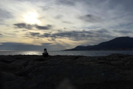 Nous deux contre le reste du monde. Entre mer et montagne.