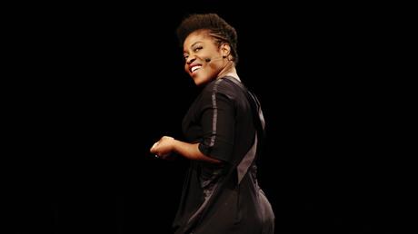 [ Humour ] Notre avis sur «Lucky» de Claudia Tagbo à l'Olympia