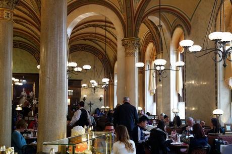 café traditionnel vienne central