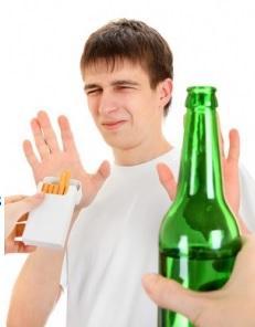 ALCOOL :  L'excès à l'adolescence mène aux problèmes de foie à l'âge adulte