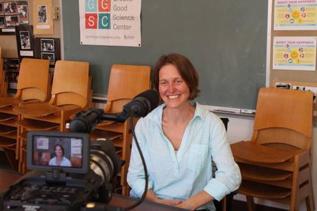 L'interview Inspirante : Elle parcourt le monde avec sa caméra pour mieux comprendre le bonheur collectif