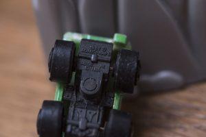 Une fausse Micro Machine avec de Grosses roues de la marque Road Champs