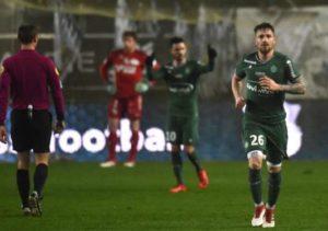 Saint-Etienne s'impose à Amiens grâce à un Debuchy buteur pour son premier match à Saint-Etienne