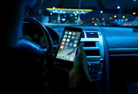 Le téléphone en voiture va coûter cher