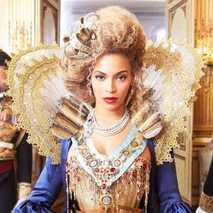 Pourquoi Beyoncé est-elle appelée Queen B ?