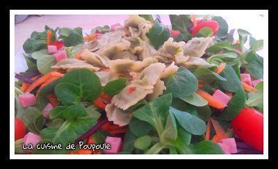 Salade de mâche, chou rouge et ravioles de Roman