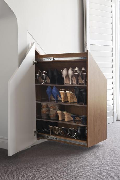 aménager un dessous d'escalier rangement chaussures