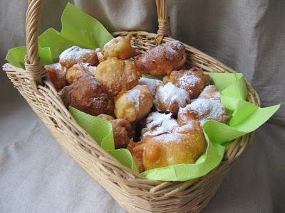Fritole du carnaval de Venise pour le Mardi-Gras