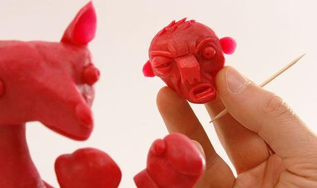 Des sculptures avec la peau du Babybel