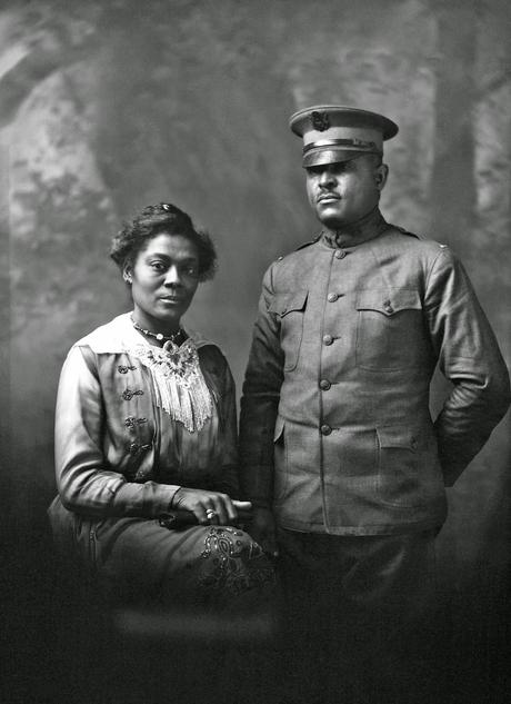 Portrait of Lt. Barnes and wife, 1918, Joseph Pennell