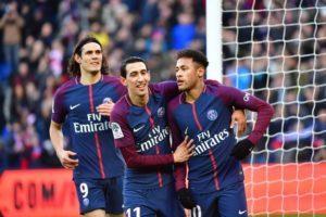 La joie des parisiens qui battent Strasbourg 5 buts à 2
