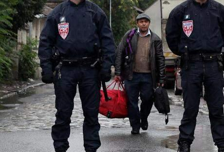 Plus de 10.000 sans-papiers algériens en phase d'être expulsés du territoire français