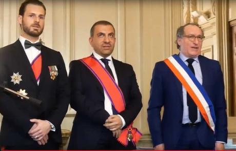 Ali BEHNAM-BAKHTIAR, Décoré de la plus haute distinction de l'Étoile du Bien et du Mérite