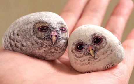 Akie Nakata, l'artiste qui transforme de simples galets en animaux