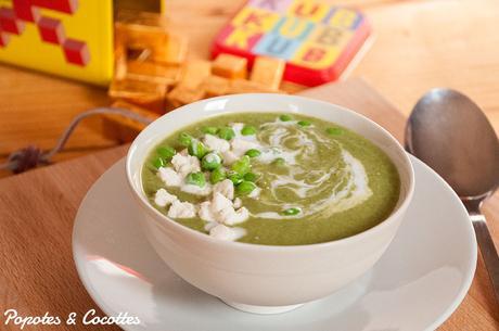 Soupe toute verte aux petits pois, épinards et lait de coco