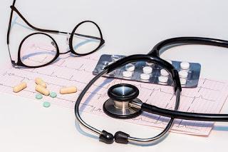 Soins, lunettes et médicaments