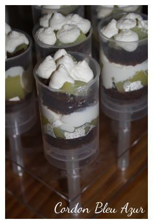 Push-cakes gâteau au chocolat, pommes et chantilly à l'érable