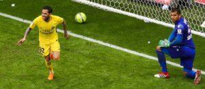 Dani Alves donne la victoire au PSG