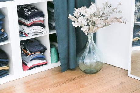 Bienvenue dans ma chambre: room tour et DIY tête de lit en lambris