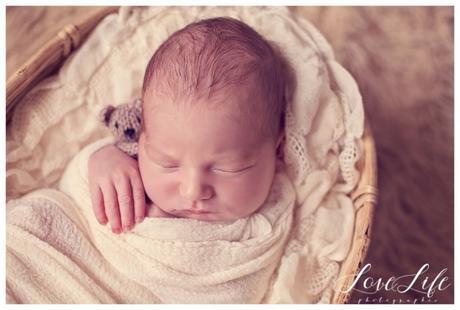 Photographe nouveau-né bébé Paris Yvelines