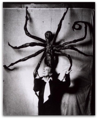 Louise-bourgeois-spider-maman-london.jpg