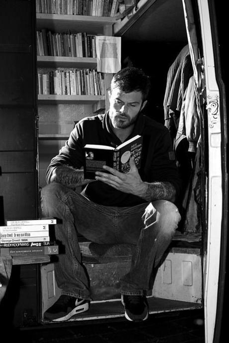 10 Auteurs de Fiction à Explorer Maintenant