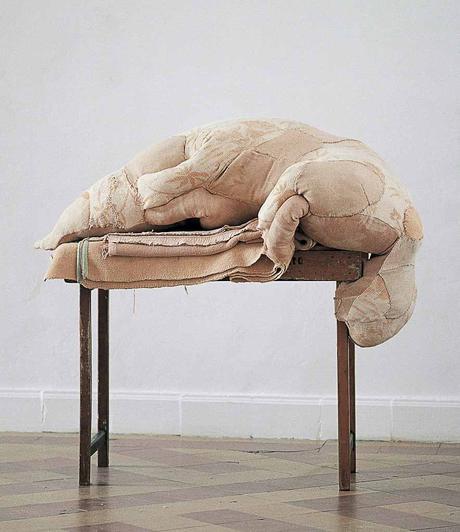 erlinde-de-bruyckere,sculpture,pieta