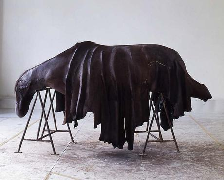 berlinde-de-bruyckere,sculpture,horse