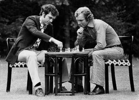 Jouez à la question du mercredi sur les échecs - Photo © Terry O'Neill