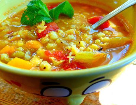 Soupe aux pois cassés, haricots mungo et sorgo