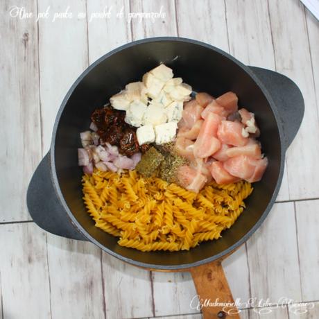 One pot pasta au poulet et gorgonzola