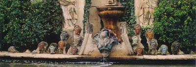 Salvador Dali: la fontaine Wagner dans les jardins du château de Púbol