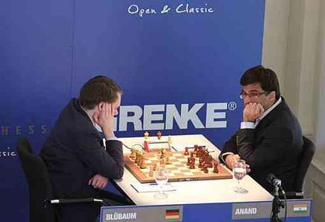 Le jeune grand-maitre international d'échecs allemand Matthias Bluebaum a créé l'exploit de cette ronde 6 - Photo © site officiel